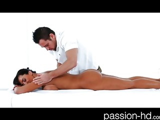 Lisa Ann massage sex